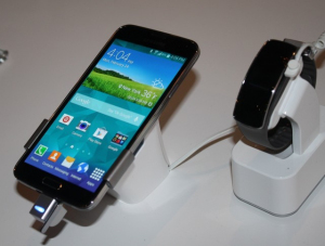 Samsung Galaxy S5 paired with the Gear Fit